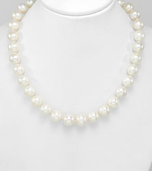 9-10mm pearls sold by dazzling jewellers
