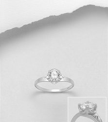 925 Sterling Silver Ring Decorated with CZ Simulated Diamonds