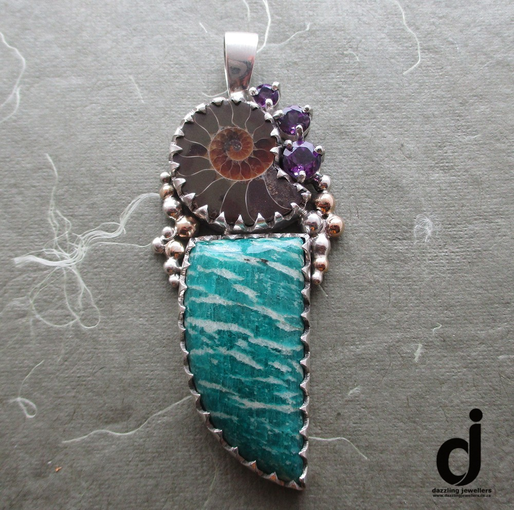 ammonite and ammozonite pendant made by dazzling jewellers 7